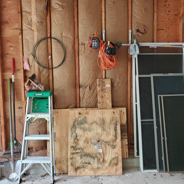 disorganized-garage-north-kingstown-rhode-island