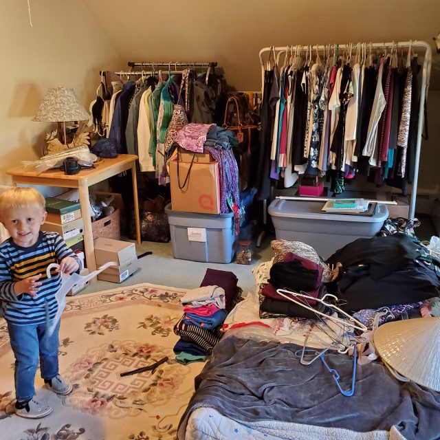overwhelmed-clutter-in-closet