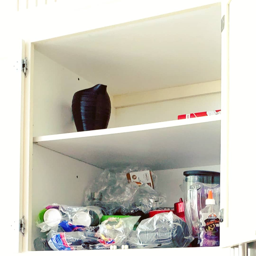 disorganized-pantry-clutter-east-greenwich-rhode-island